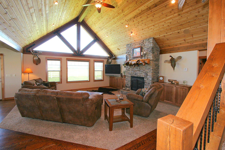 Elkhorn-living-room1