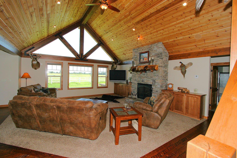 Elkhorn-living-room6